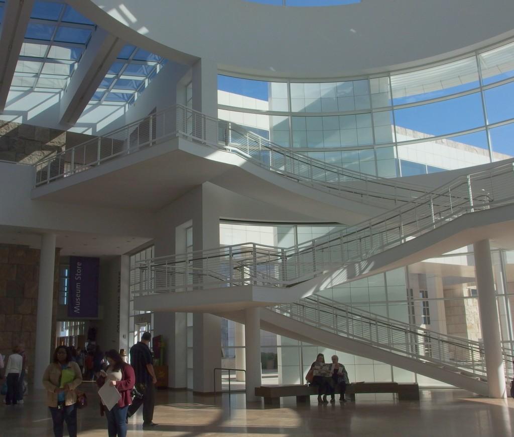 Centrum Gette'ego wnętrze hallu by Dorota Kunecka